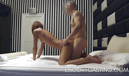 Una joven perra masturbarse su polla a un novio de videos caseros veteranas diferentes maneras y lo hacen cum