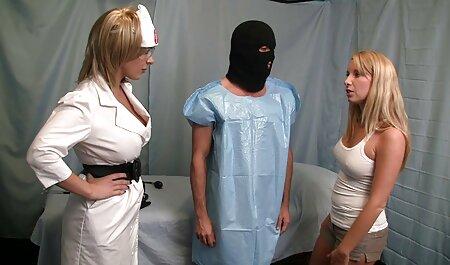 Excelente aventura sexual de una joven morena en lesbianas maduras casero lencería, rizado