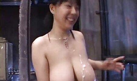 Caliente joven rubia coño es desperate handjob en videos caseros de mujeres maduras silla