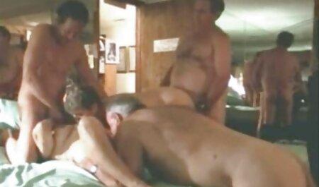 Dijo 'nueve' masajista sin problemas masaje de transición pareja madura casero en el sexo lésbico con un cliente