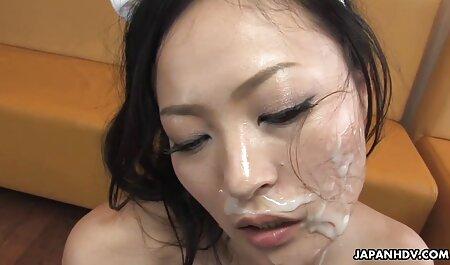 Dos modelos porno de Gran Culo seduce a maduras follando en videos caseros un chico en un brutal