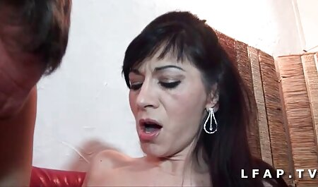 Hermosa modelo porno Jenna Hayes acariciando señoras maduras caseras su vibrador favorito