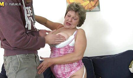 Mujer negra agilidad gorda en el sexo en el sofá lesbianas maduras casero