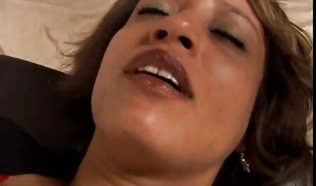 Gran culo madura mujer negra videos caseros de maduras gratis está lista para soportar el estilo perrito en la cama y obtener un zumbido fresco