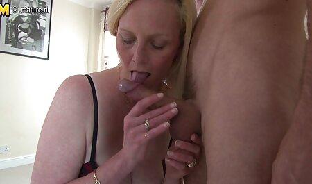Un joven cliente es extremadamente excitado por maduras xxx videos caseros un masaje erótico y quiere tener sexo con un masajista