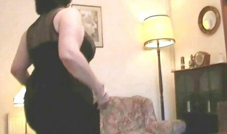 Phat videos caseros xxx con maduras culo puta Sunny Lane obtiene su coño mojado en el cuarto de baño