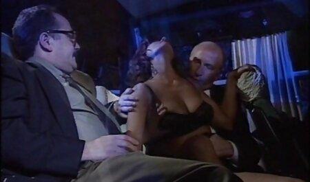 Joven tetona videos caseros de maduras con jovenes porno modelo en rojo lencería folla coño con la consolador