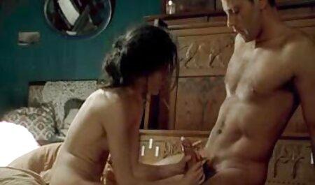 El chico tiene un idilio completo con su esposa durante videos caseros de maduras gritonas el sexo