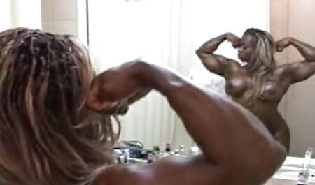 Joven modelo porno folla videos reales de maduras follando energéticamente con su novio después de la ducha