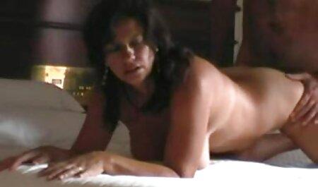 El papel importante del vestido maduras caseras infieles corto de una estrella porno