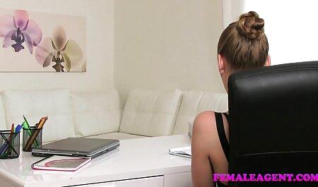 Erótica adulto modelo señoras cojiendo videos caseros de lencería en lencería y follando con un hombre negro fresco