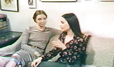 Una rubia madura fumando un cigarrillo y calmada hidratada tomar videos caseros de señoras teniendo sexo las grandes pollas de caballeros en el culo