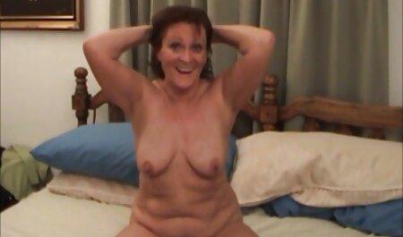 Sexy Rubia juega con las tetas y la boca en videos pornos caseros mujeres maduras un pie polla