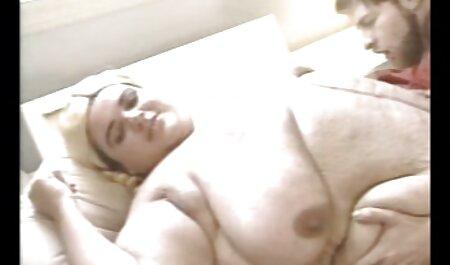 A mi novia le encanta ser una puta madurita follando casero y puta anal cachonda