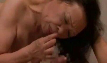 Mujer joven accedió a ayudar a su marido maduras calientes videos caseros y hacer el amor con usted querido
