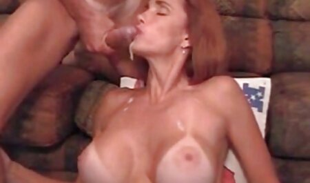 Pareja Dick recibe una mamada maduras infieles videos caseros perfecta de una madura, decidida, morena,