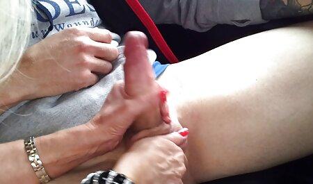 Madura estrella del videos caseros de maduras con jovenes porno coño es fresco acariciando sus dedos