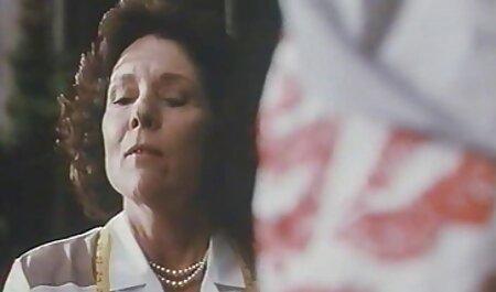 Caliente joven abuela seduce la chico dentro la caliente mierda videos caseros maduras calientes con ella